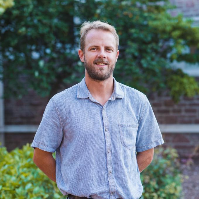 Headshot of Grant Stauffer