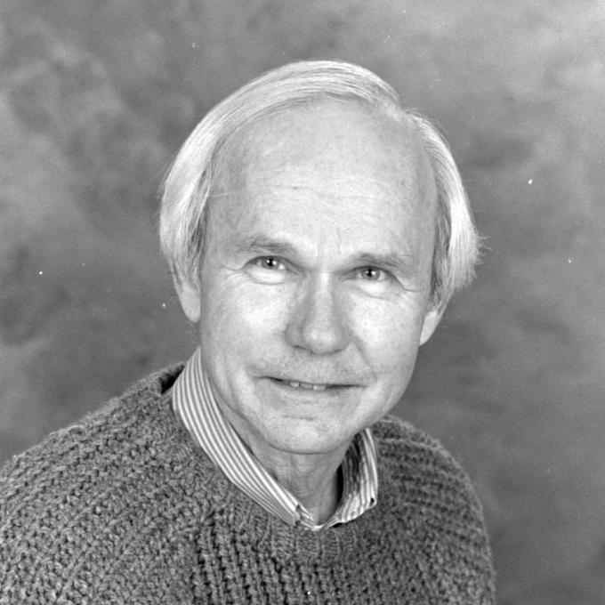 Headshot of Robert Canfield