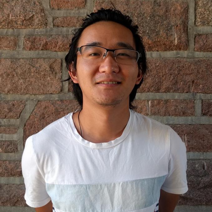 Headshot of Xinzhou Chen